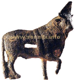Bronze statuette of bull